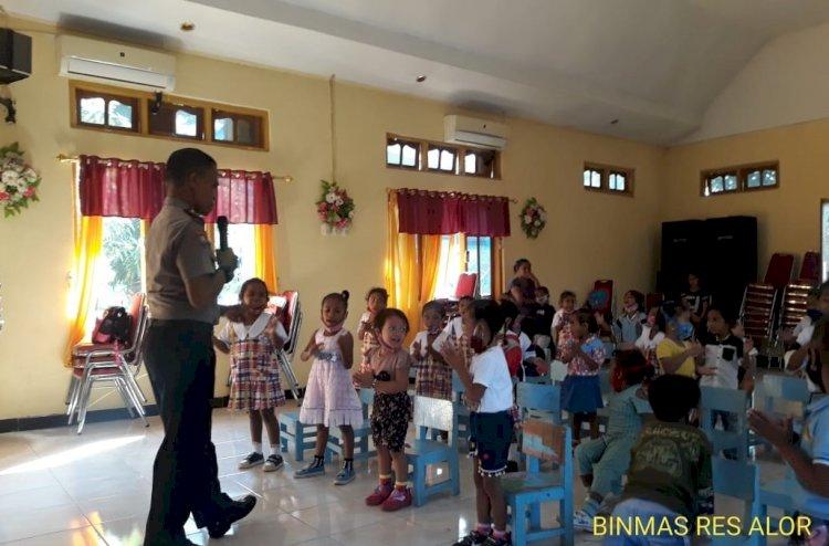 Implementasikan Polisi Sahabat Anak, Satbinmas Berikan Pembinaan Kepada Anak - Anak Paud
