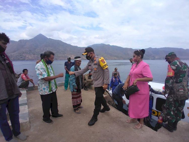 Kapolres Alor Hadiri Sunatan Masal Di Desa Pulau Pura