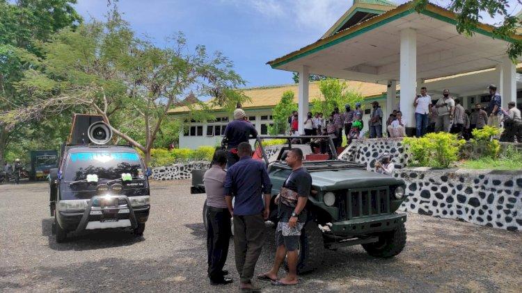 Polres Alor Laksanakan Pengamanan Aksi Damai Dari Forum Anti Korupsi - Kerakusan - Kerusakan Alor ( FAKKK )