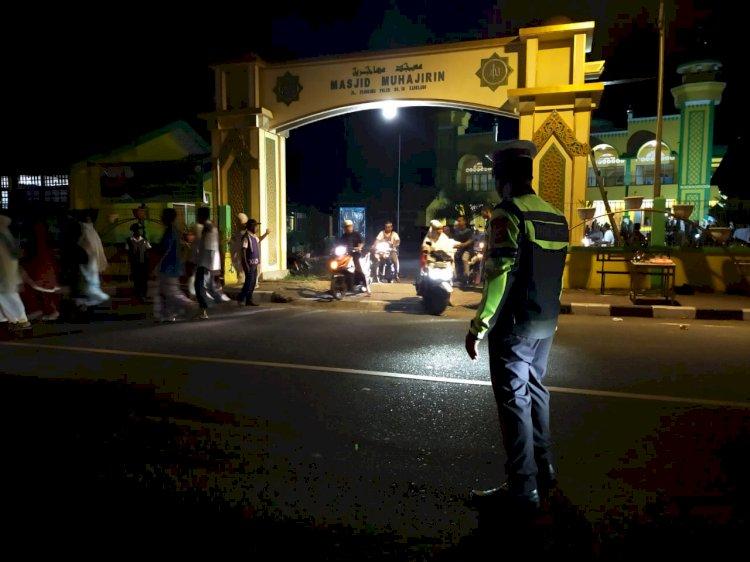 Personil Satlantas Polres Alor Laksanakan Pengamanan Tarawih