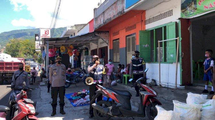 Sosialisasi dan Himbauan Prokes Oleh Personil Polres Alor
