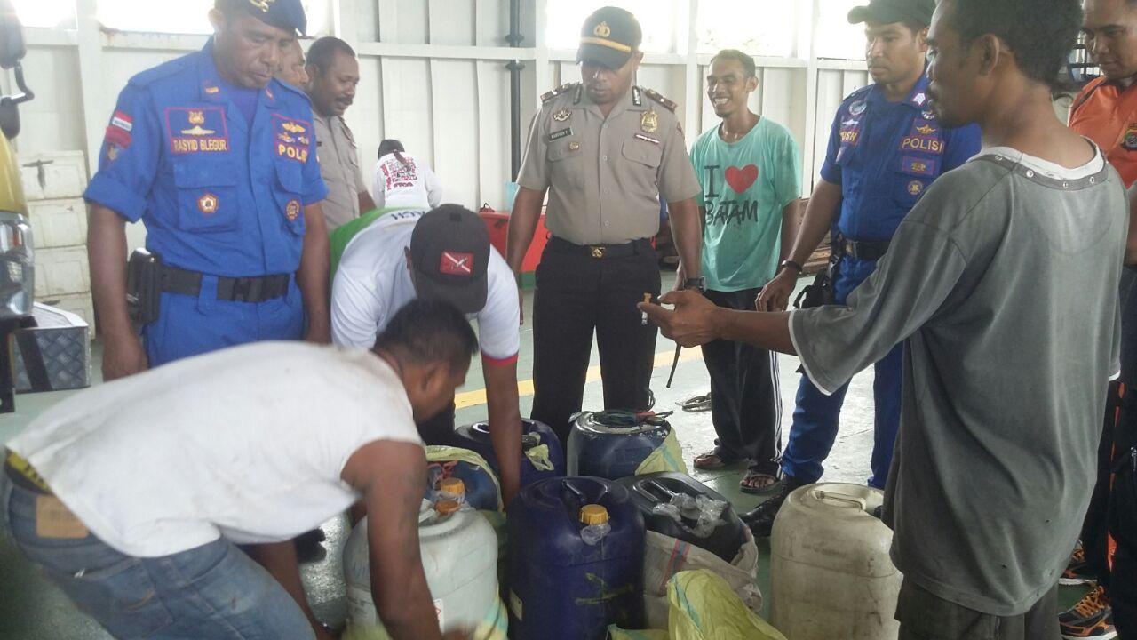 Ops Pekat II, polres Alor Amankan Ratusan Liter Sopi