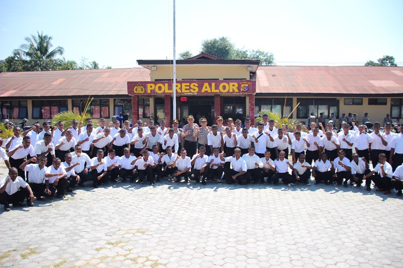 Dir Binmas Polda NTT Menjadi Irup Dalam Pembukaan Pelatihan Gada Pratama Satpam Di Polres Alor